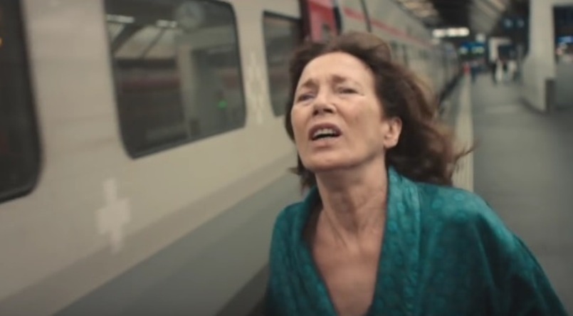 Женщина и TGV кадр 10