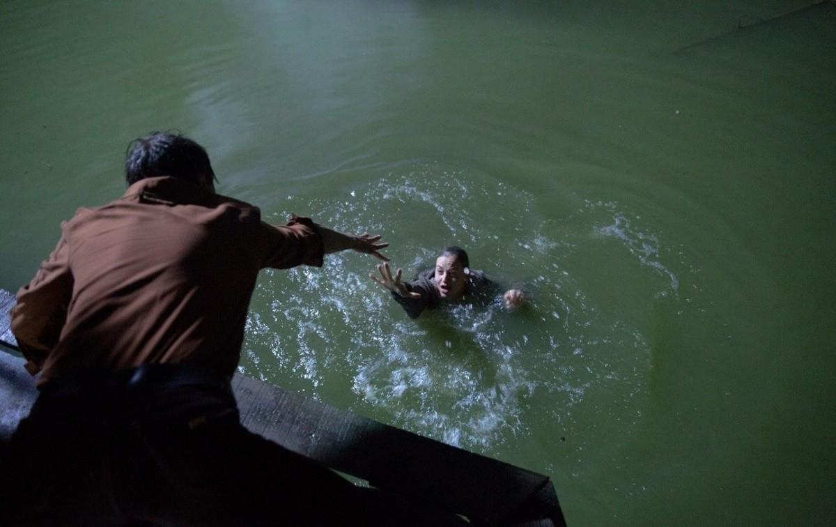 Русалка. Озеро мертвых кадр 3