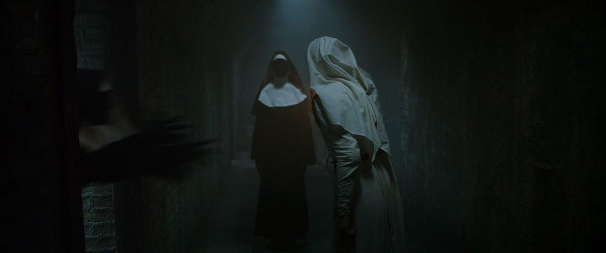Проклятие монахини кадр 14