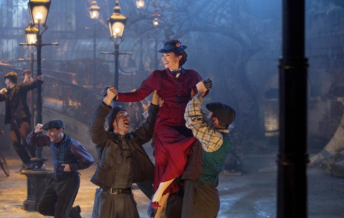 смотреть Мэри Поппинс возвращается в кинотеатрах